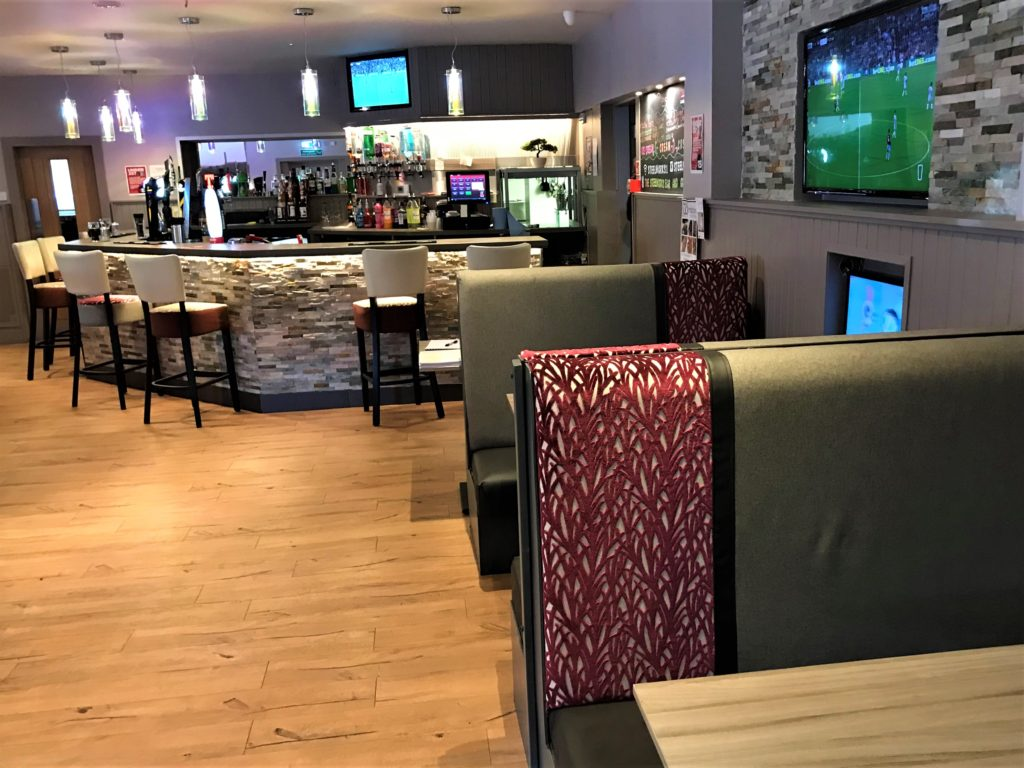lounge bar and booth seating at the steelworks bar and grill motherwell